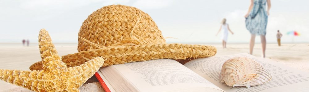shell-summer-hat-starfish-and-a-gook-good-relaxing-time_2560x1600 (1)